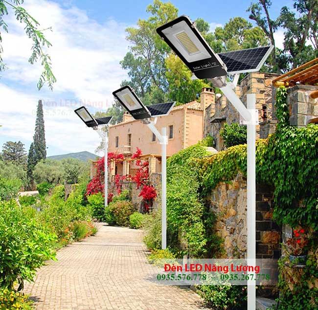 đèn đường bằng năng lượng mặt trời