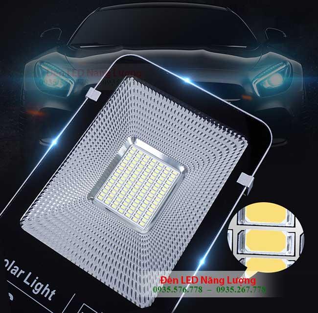 đèn đường năng lượng mặt trời 100w chip LED cao cấp