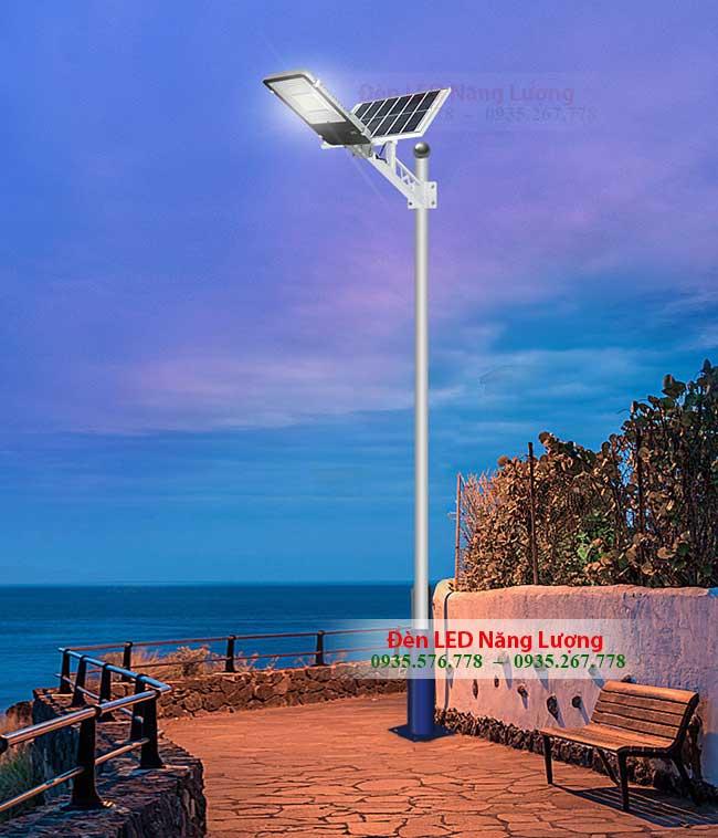 đèn đường năng lượng mặt trời 40w chiếu cong đường