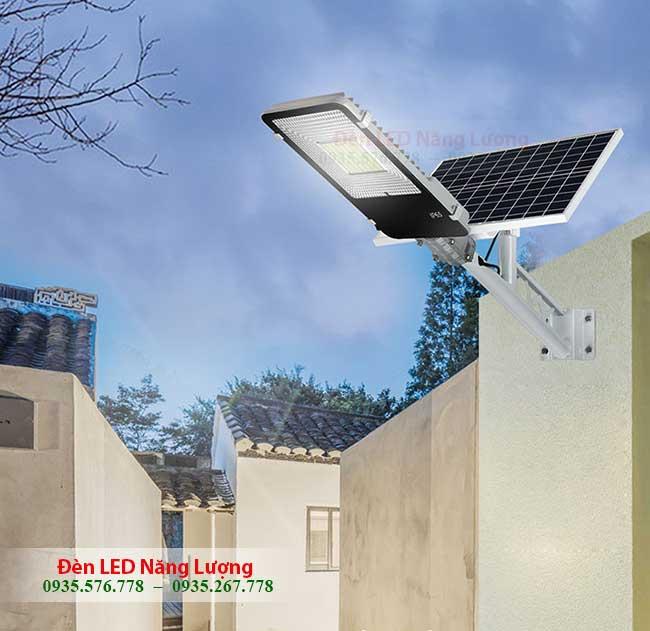 đèn chiếu sáng đường năng lượng mặt trời