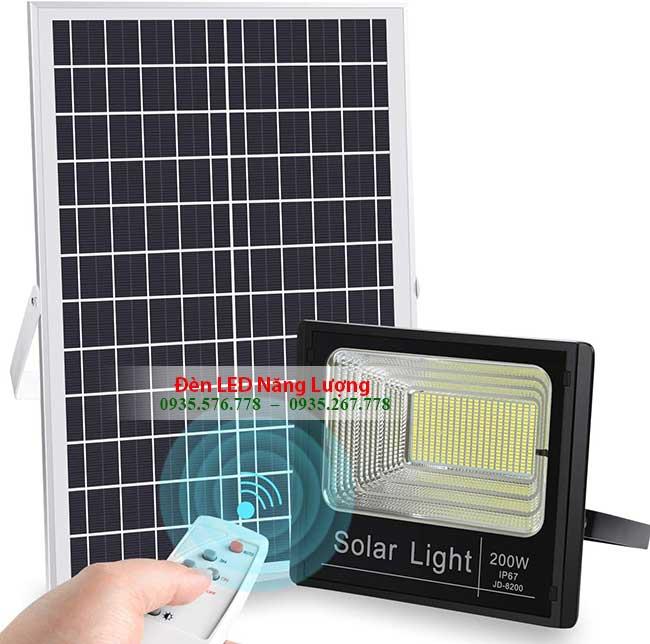 đèn năng lượng mặt trời 200w