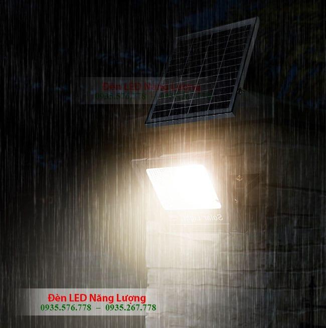 đèn năng lượng mặt trời có cảm biến chống nước hoàn hảo 1