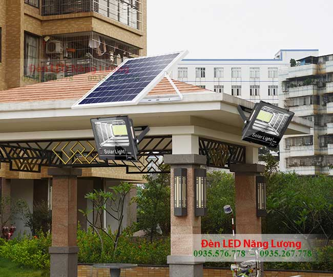 đèn năng lượng mặt trời tốt nhất gắn cổng nhà 2