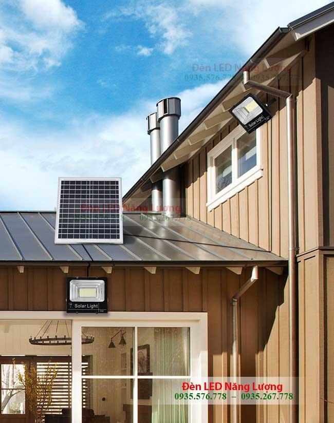 đèn pin năng lượng mặt trời cho gia đình 1