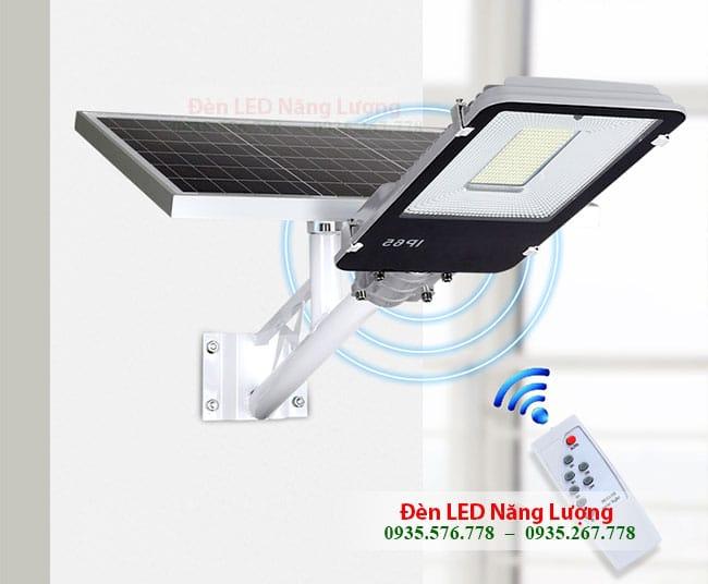 bộ đèn đường năng lượng mặt trời có điều khiển từ xa bằng remote 1