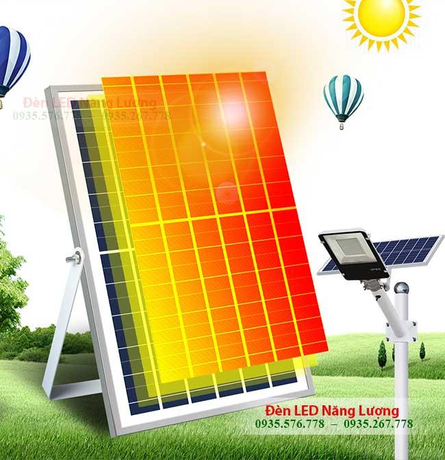 pin cua đèn đường sử dụng năng lượng mặt trời